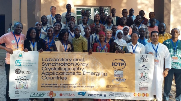 Les participants de l'atelier « Laboratory and Synchrotron X-ray Crystallography: Applications to Emerging Countries ».